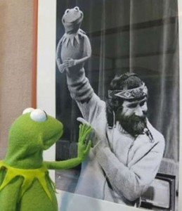 Kermit says goodbye.