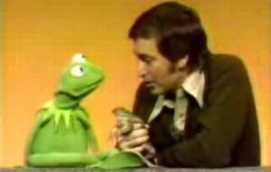 Bob introduces Kermit to a bullfrog.