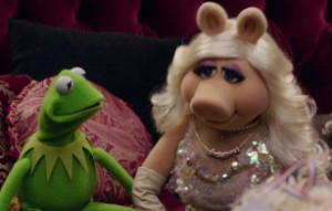 Kermit and Piggy's heart-to-heart.