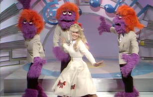 """The Muppet Show 1.02: """"Connie Stevens"""""""